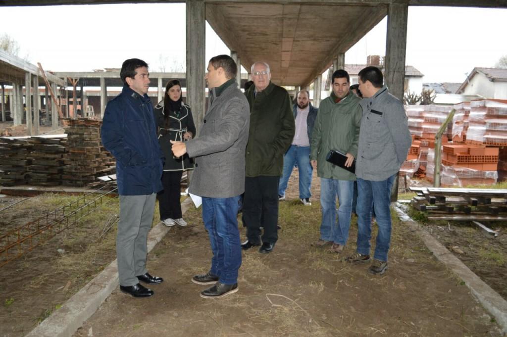 Juan Pablo de Jesús y el ministro de Infraestructura provincial recorrieron obras