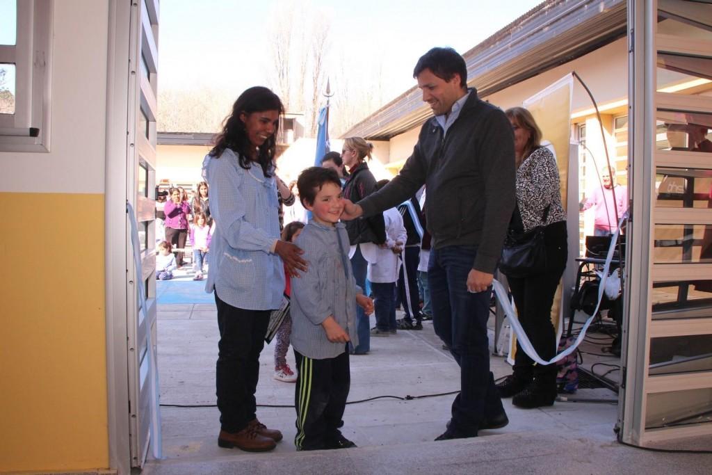 EL INTENDENTE COSTERO,inauguró una flamante sala del Jardín de Infantes de Aguas Verdes