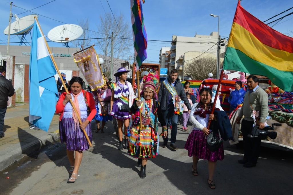 La comunidad boliviana celebró la fiesta en honor a la Virgen de Urkupiña