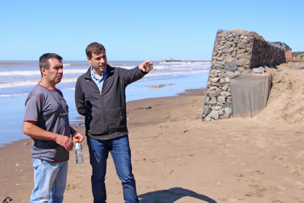 El Intendente Costero recorrió la instalación de gaviones en Mar del Tuyú