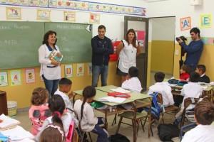 Juan Pablo De Jesus visitó la Escuela Nº 12 de Mar de Ajó para dialogar con docentes y directivos