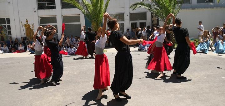 La Escuela de Bellas Artes celebra su primera peña folclórica del añoen San Clemente