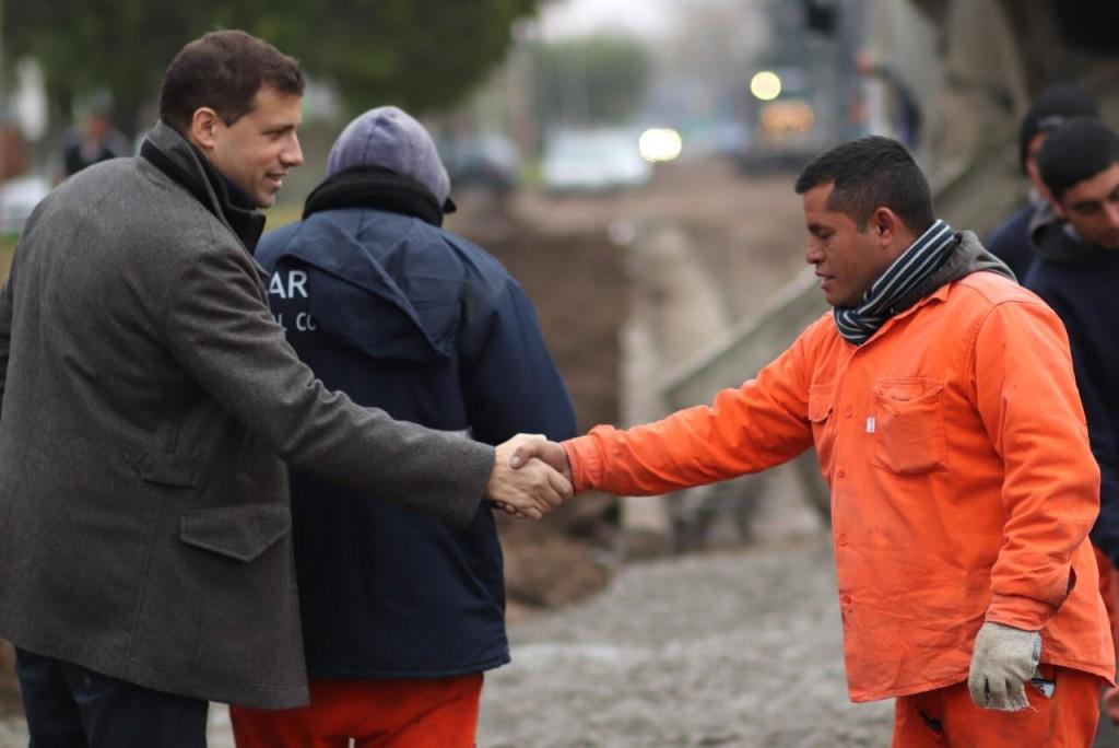 Juan Pablo recorrió los nuevos trabajos de asfalto en Santa Teresita