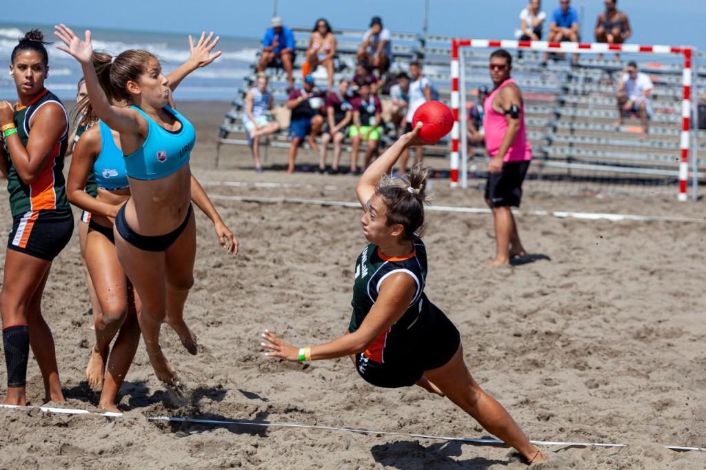 Los Juegos Universitarios de Playa arrancaron con una gran fiesta del deporte en La Costa