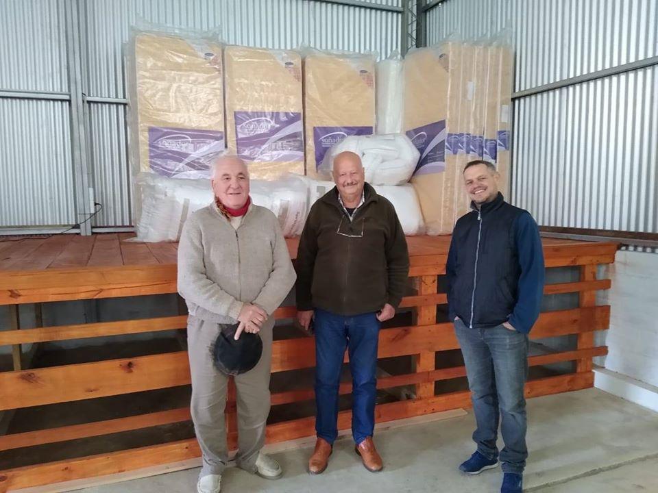 GENERAL LAVALLE: Donaron colchones y almohadas para el Hospital de Campaña que está construyendo el municipio