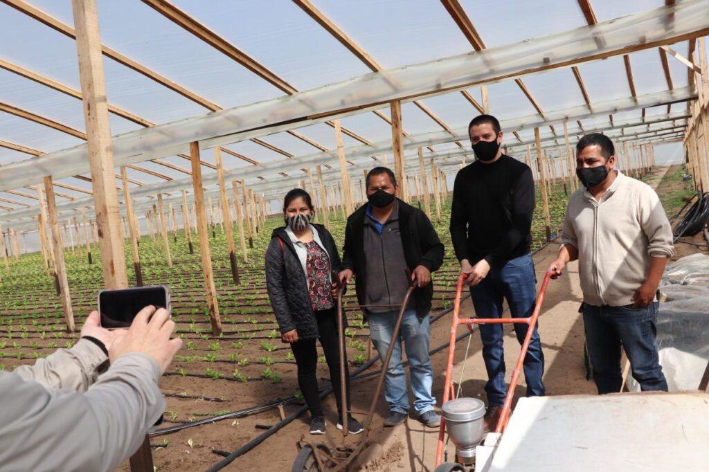 Cristian visitó el predio de la futura Cooperativa de Horticultores de La Costa