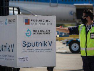 Hoy llega el octavo vuelo de Aerolíneas Argentinas con un nuevo cargamento de vacunas Sputnik V